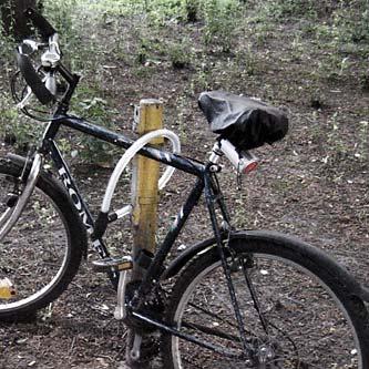 (Fast) angeschlossenes Fahrrad